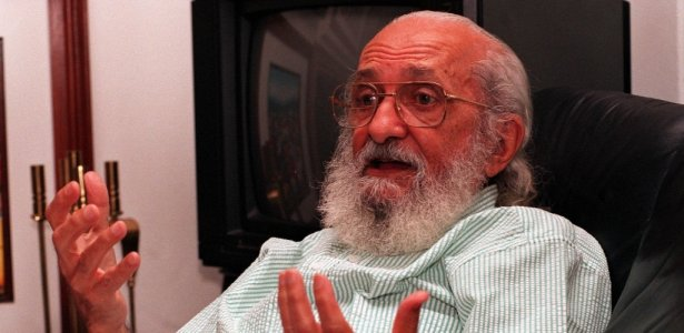 O pedagogo Paulo Freire, em sua casa, em São Paulo, em foto de 1994