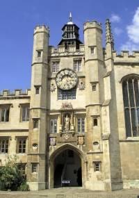 A Universidade Cambridge aparece em primeiro lugar no ranking inglês. Veja imagens das dez melhores universidades