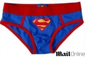Estudante usava cueca do Super-Homem durante busca por maconha