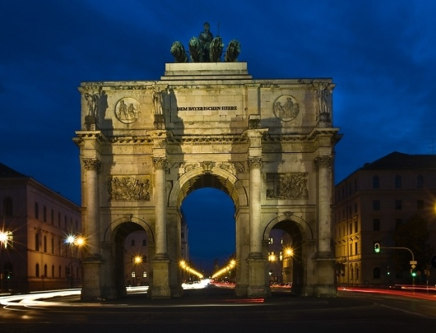 Siegestor, em Munique, no estado da Baviera