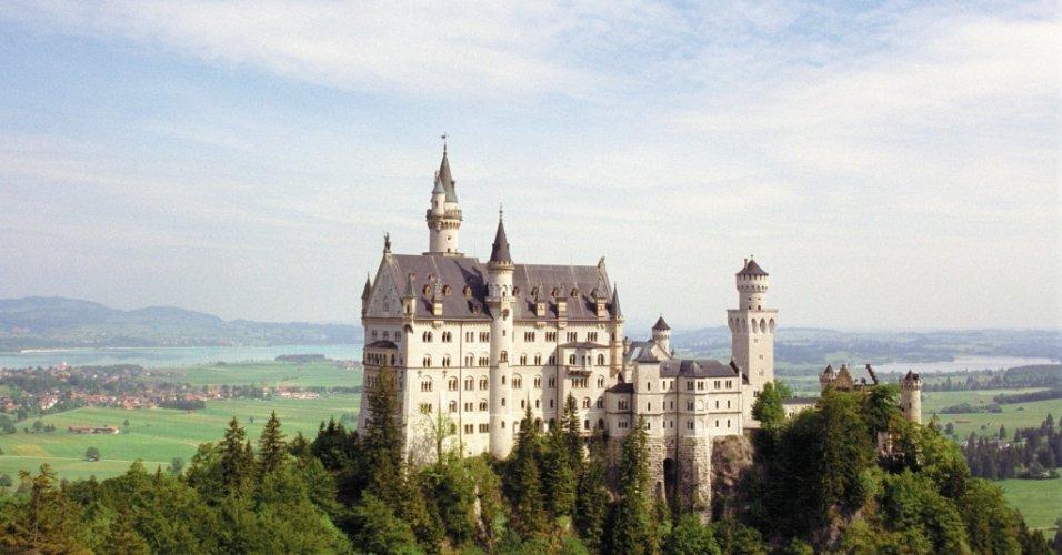 Vista do castelo de Neuschwanstein, construído pelo príncipe Ludwig 2º, o Louco, também conhecido como o rei dos sonhos, na Baviera, sul da Alemanha