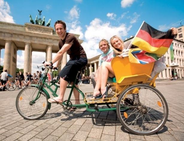 Um dos principais pontos turísticos da Alemanha, o portão de Brandemburgo, em Berlim, é símbolo da separação e da reunificação alemã no século 20