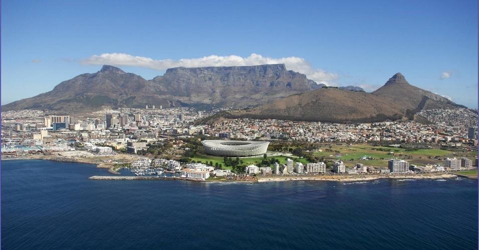 Estádio Green Point, considerado um dos mais bonitos da África, com uma bela vista da Table Montain (ou montanha Mesa) é o cartão postal da Cidade do Cabo e um dos símbolos naturais da África do Sul