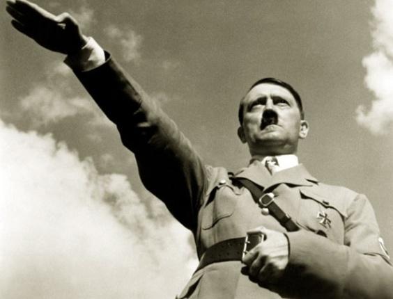 1 de abril de 1933 ? Hitler ordena o boicote aos negócios judeus